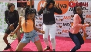 Video: See Ibadan Shaku Shaku, Mercy Aigbe Organises Dance Competition At The Launch Of Her New Boutique